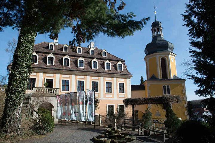 Das Landschloss Zuschendorf bei Pirna.
