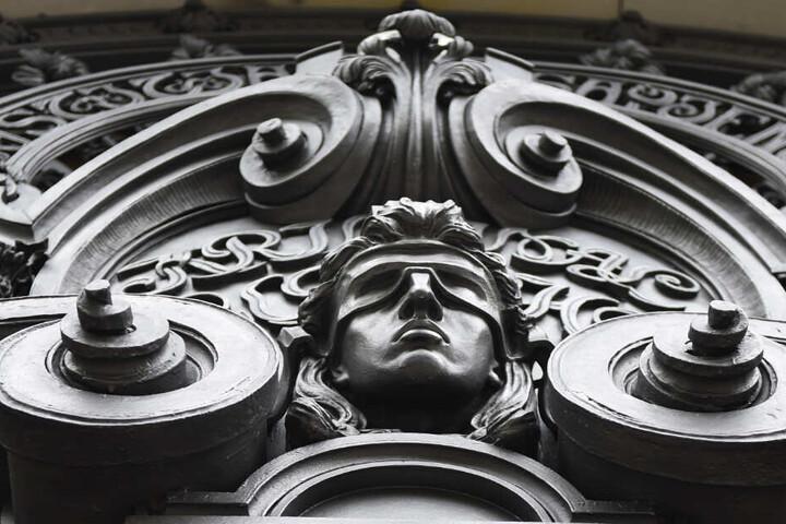 Der Eingang des Kriminalgerichts Moabit.