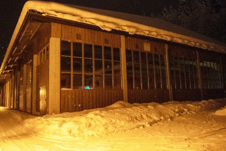 In Bayern mussten mehrere Hallen aufgrund des Wetters geschlossen werden. (Symbolbild)
