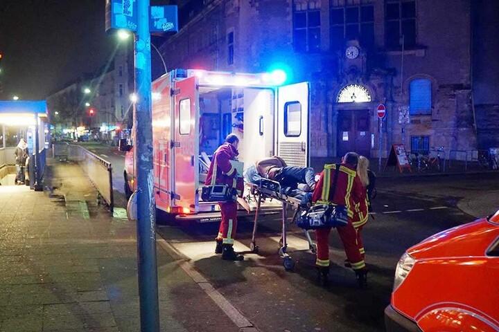 Der schwerverletzte Mann wurde ins Krankenhaus gebracht.