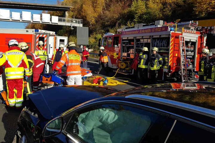 Durch die Rettungs- und Bergungsarbeiten war die A3 bei Hilden rund zwei Stunden komplett gesperrt.