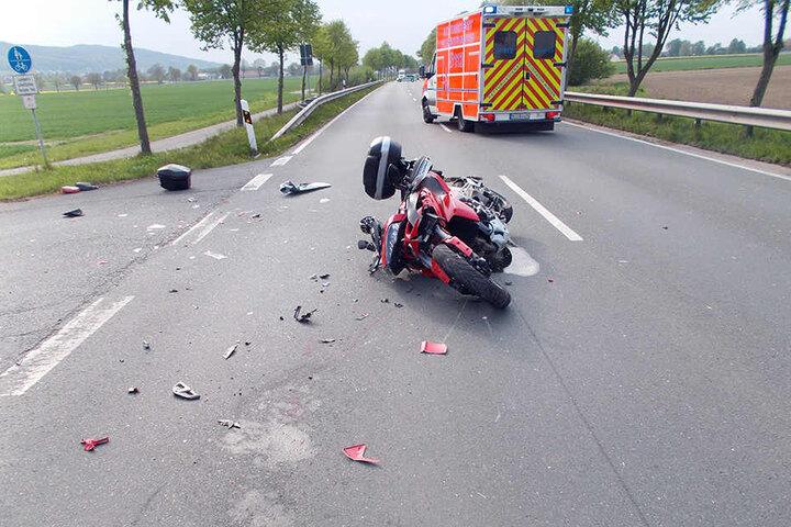 Der Biker wurde schwer verletzt.
