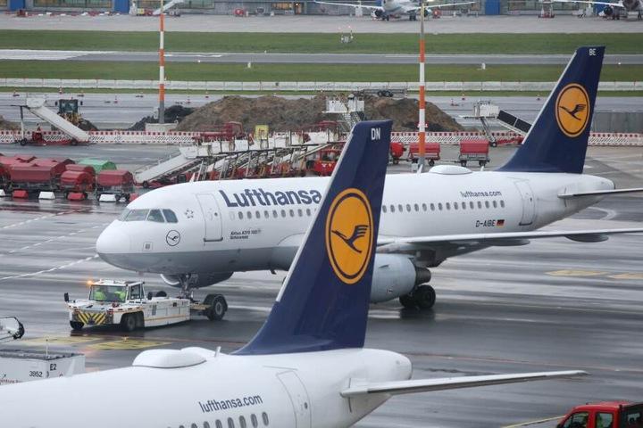 Rund 180.000 Passagiere sind von den Flugausfällen betroffen.