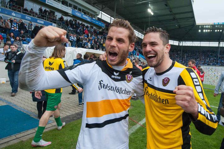 Justin Eilers (li.) und Pascal Testroet (re.) schossen Dynamo zurück in die zweite Liga.