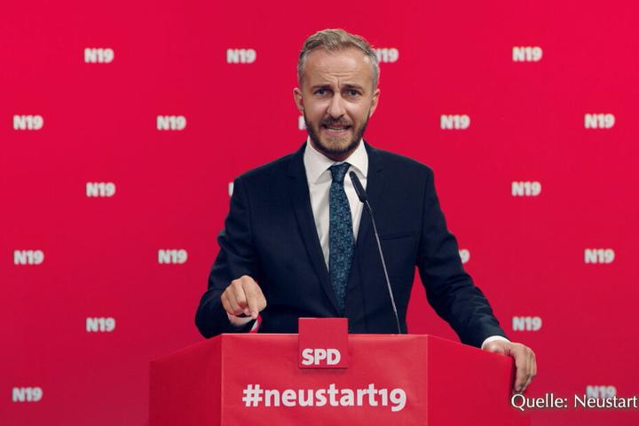 """Der Satiriker Jan Böhmermann bewarb mit der Kampagne #neustart19 um den SPD-Parteivorsitz in seiner Sendung """"Neo Magazin Royale"""", die am 29.08.2019 im ZDFneo ausgestrahlt worden ist."""