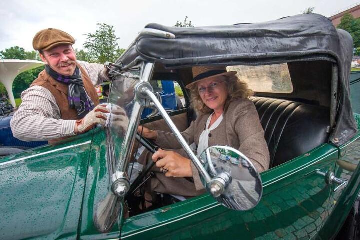 Als Teilnehmer dabei waren u.a. Dirk (46) und Silke (56) Adam aus Sindelfingen (Nähe Stuttgart) im NSU-Fiat Baujahr 1034.
