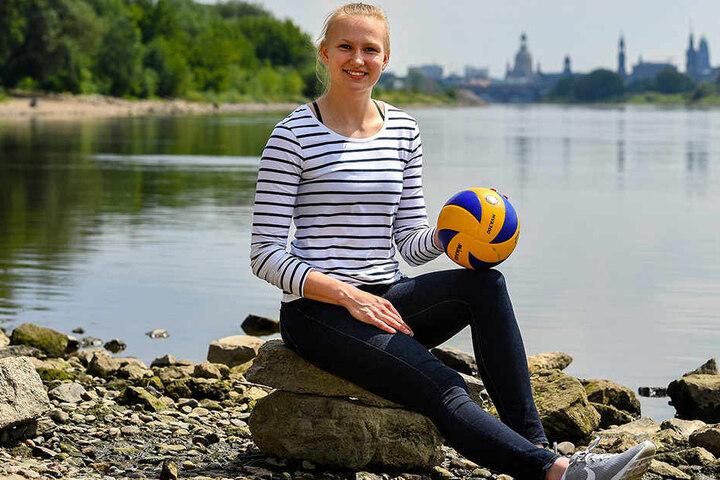 Piia Korhonen an der Elbe. Dresden wird für (mindestens) zwei Jahre die neue Volleyball-Heimat der Finnin sein.
