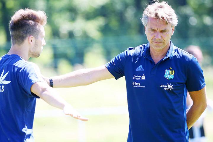 Tom Baumgart (l.) wittert unter dem neuen CFC-Trainer Horst Steffen (r.) auch eine neue Chance für sich.