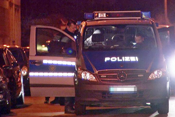 Ein Sondereinsatzkommando der Polizei sicherte die Umgebung ab.