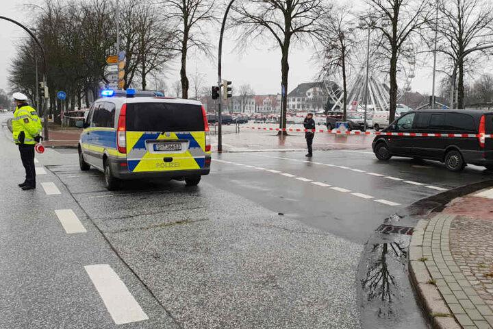 Die Polizei riegelte die Straßen in der Umgebung der Marktpassage ab.