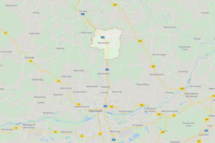 Auf der Autobahn 9 bei Denkendorf in Bayern ist es zu einem schrecklichen Unfall gekommen.