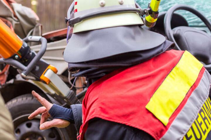 Mitten im Einsatz wurden die Feuerwehr-Kameraden beleidigt. (Symbolbild)