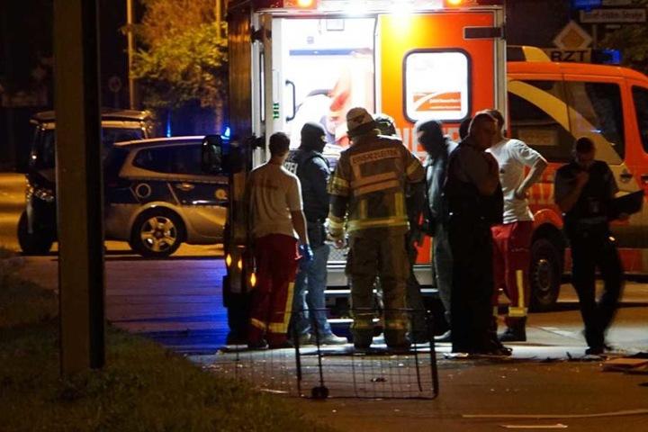 Der Mann wurde von SEK-Polizisten überwältigt und zunächst dem Rettungsdienst übergeben.