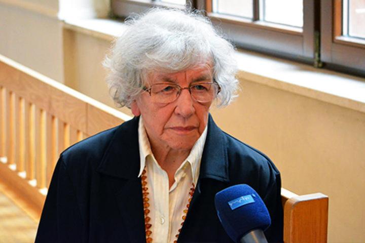 Hildegard B. (83) schilderte gestern auch TV-Sendern ihr trauriges  Schicksal.