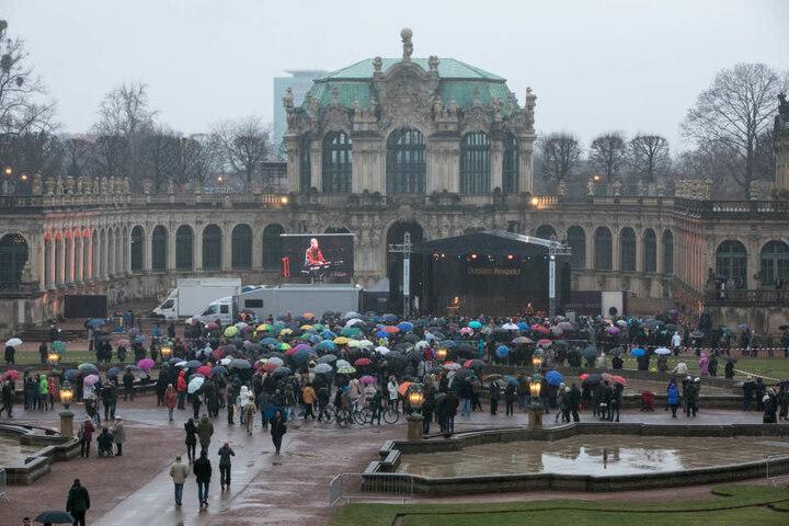Die Gegendemonstration im Zwinger.