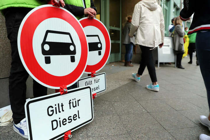 In Köln drohen ab April flächendeckende Fahrverbote für Diesel-Fahrzeuge (Symbolbild).
