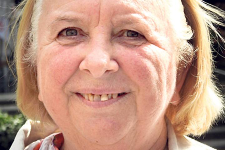 """Margot Sänger (67), Rentnerin aus Leipzig: """"Ich wähle die CDU, weil ich mit der Politik von Frau Merkel zufrieden bin""""."""