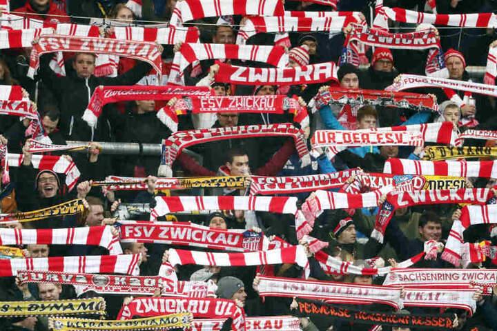 Die Zwickau-Fans mussten lange warten, jetzt steht der Termin für das Dortmundspiel in Zwickau fest.