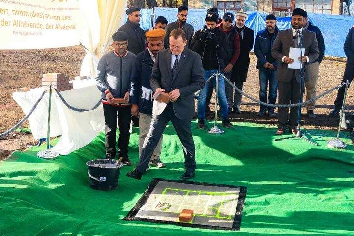 Auch Ministerpräsident Bodo Ramelow beteiligte sich an der Grundsteinlegung der neuen Moschee.