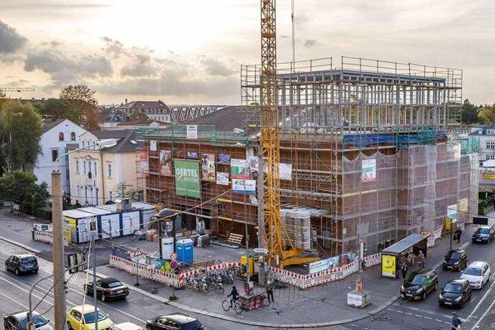Ein neuer Saal entsteht auf dem Dach. 160 Plätze gibt es bald da oben.