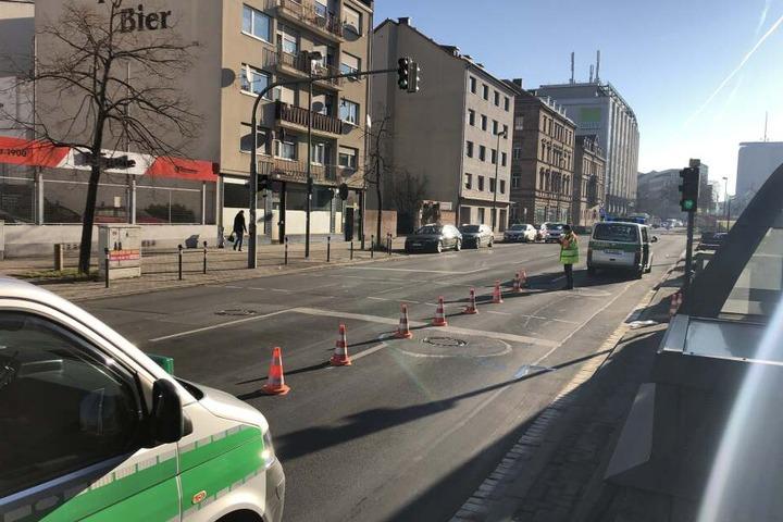 Weil eine Frau eine rote Ampel übersehen hatte, kam es zum Unfall in der Früher Straße in Nürnberg.