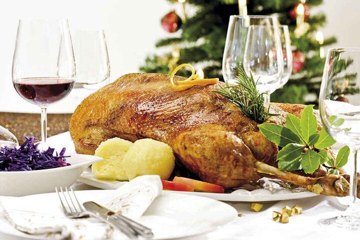 """Um den Weihnachtsbraten sollen sich die Sachsen aber keine Sorgen machen!""""Wer seine Weihnachtsgans wie immer zubereitet, hat null Risiko"""", so der Geschäftsführer des Sächsischen Geflügelwirtschaftsverbandes, Günther Drobisch."""