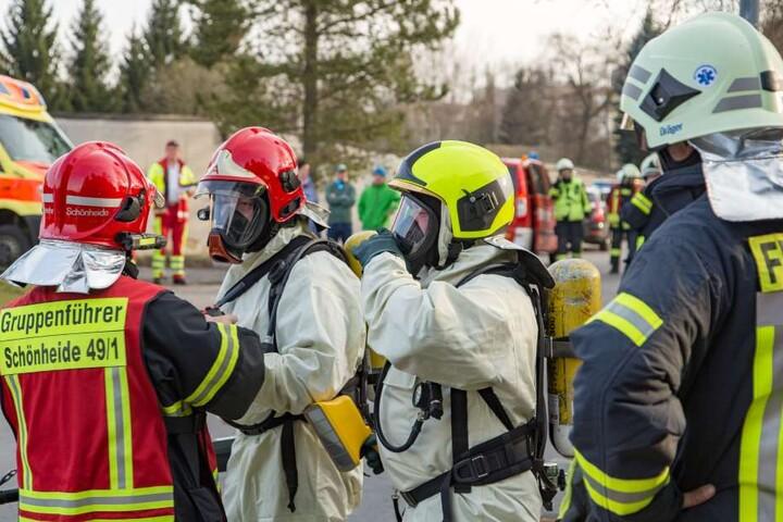 Im Einsatz waren mehr als 50 Kameraden von Feuerwehr und Rettungsdienst.