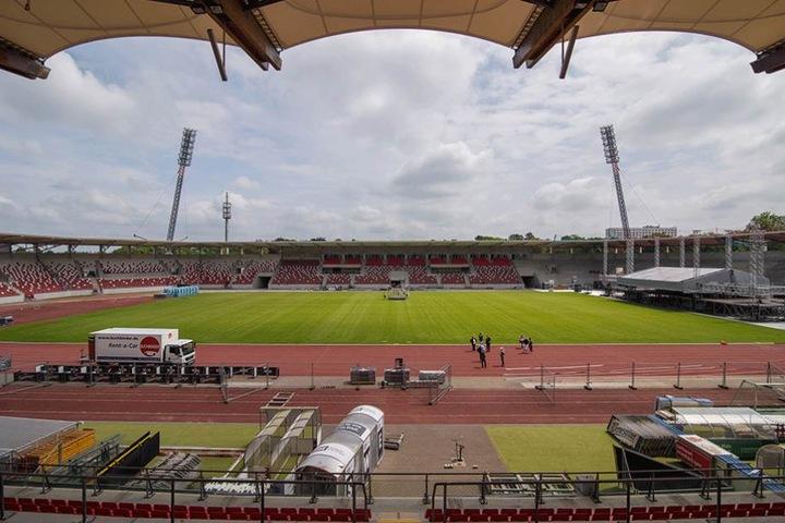 Das neue Erfurter Stadion sollte am Sonntag mit einem Spiel gegen den BVB eingeweiht werden.