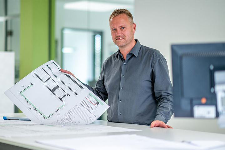 Thomas Lange (45), Niederlassungsleiter bei Heinrich Schmid in Röhrsdorf, würde sich über mehr Bewerber freuen.