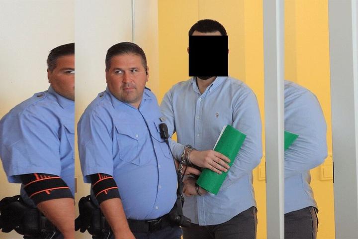 Türke Ugur C. (24) kam in Handschellen aus der JVA Dresden.