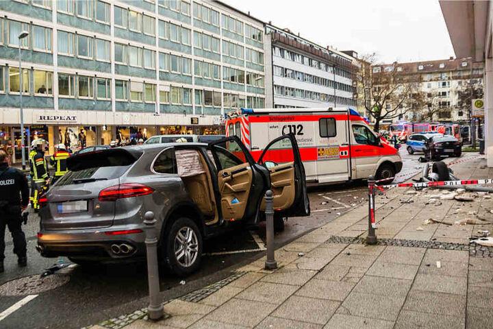 Der Gesamtschaden wird von der Polizei auf circa 250.000 Euro geschätzt.