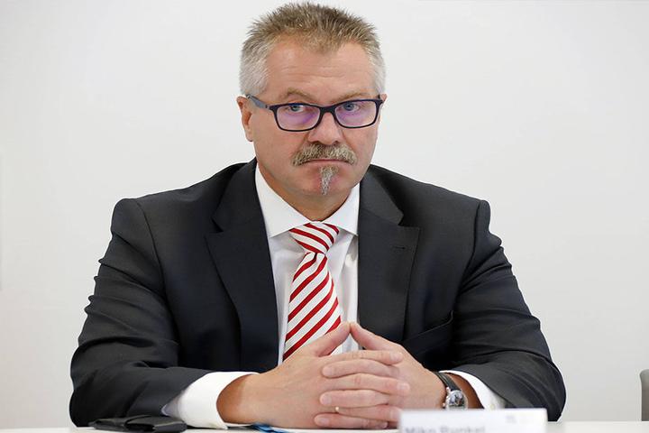 Ordnungsbürgermeister Miko Runkel (58, parteilos) sah bislang keinen Handlungsbedarf, hat aber nun reagiert.