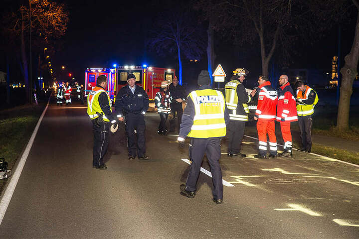 Etwa 30 Einsatzkräfte waren vor Ort und versorgten Schwerverletzte und Unverletzte.