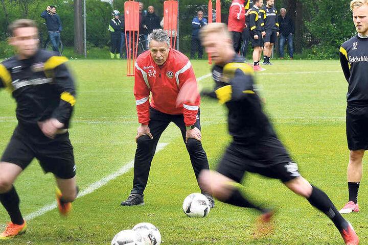 Da musste sogar Uwe Neuhaus zweimal hingucken: Im Training war wieder deutlich mehr Tempo, Zug und Mentalität drin.
