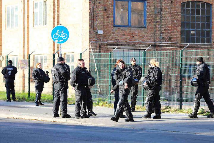 Die Polizei ermittelt wegen verschiedener Vergehen gegen 312 Nürnberger Fans.