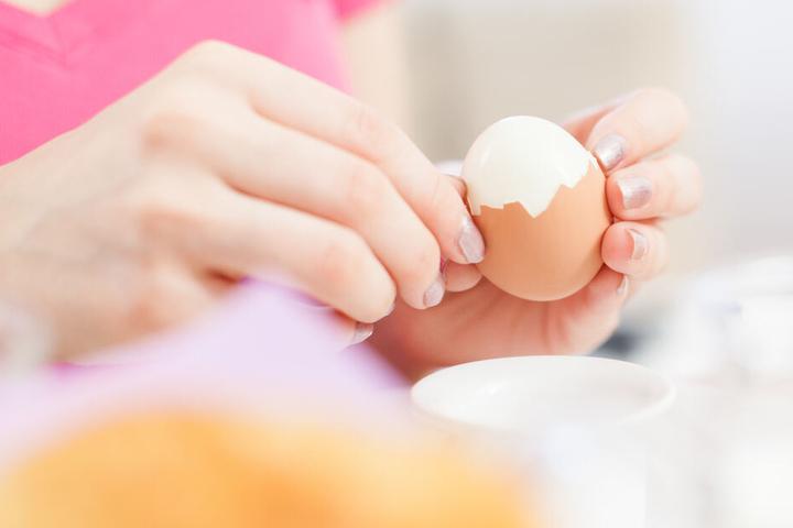 Die zurückgerufenen Eier sollten nicht verzehrt werden. (Symbolbild)