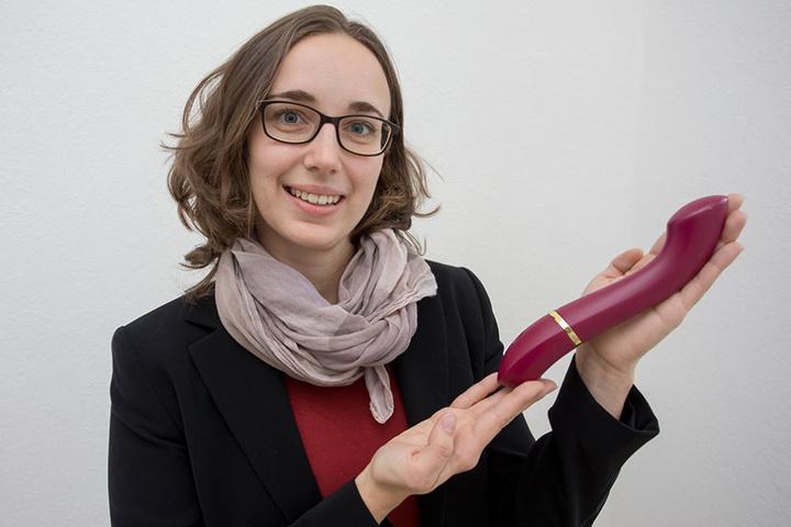 Julia Ryssel (29) gründete das Dresdner Start-up Laviu und hat mit  Materialien aus der Raumfahrt ein Sexspielzeug entwickelt, das lautlos ist.