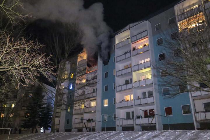 Die Wohnung stand komplett in Flammen.