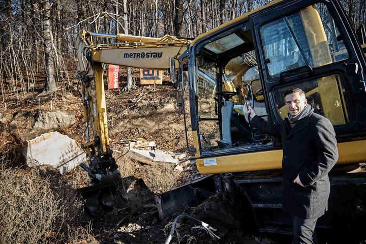 Sachsens Wirtschaftsminister Martin Dulig (44, SPD) freut sich über den Baustart.