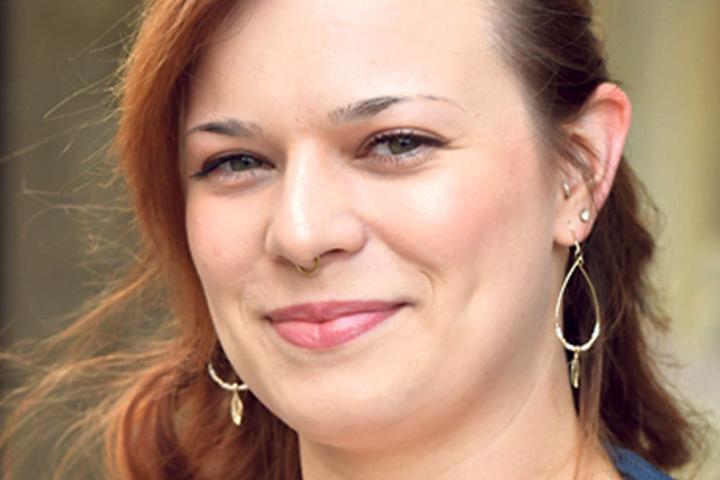"""Linda Schickor (27), Studentin aus Görlitz, ist noch unsicher: """"Ich schwanke noch zwischen den Grünen und der Linken. Ich tendiere zu den Grünen, auch wenn ich das Programm nicht komplett vertrete. Aber auf keinen Fall wähle ich die AfD."""""""