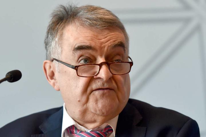 Innenminister Reul lobt die Null-Toleranz-Strategie in Nordrhein-Westfalen.