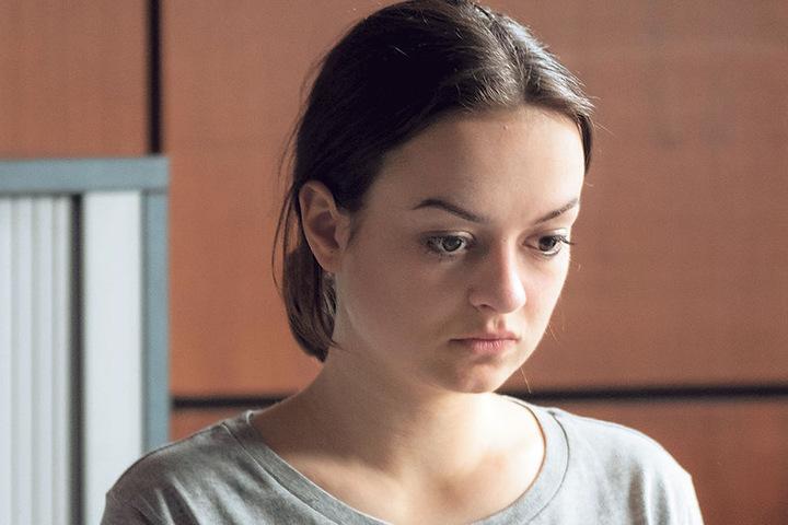 Einbrecherin Maja (Michelle Barthel, 25) sinnt nach Rache.