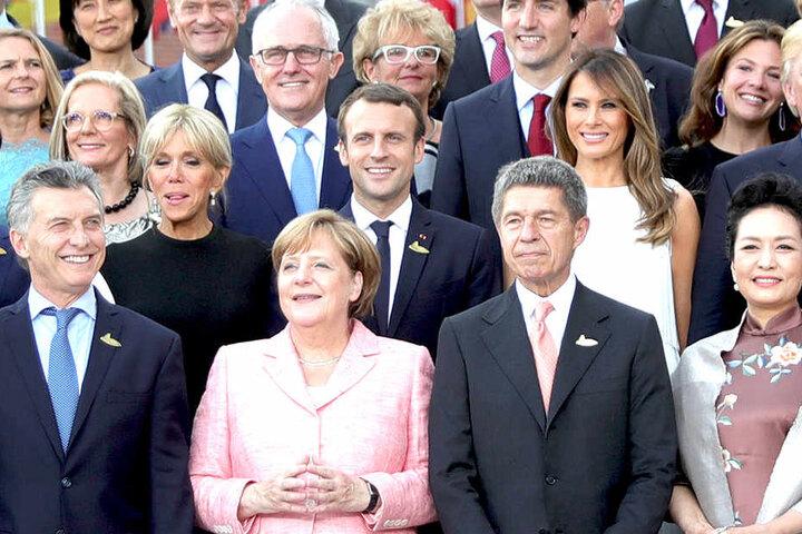 """Das sogenannte """"Familienfoto"""" vor dem Konzert in der Elbphilharmonie."""