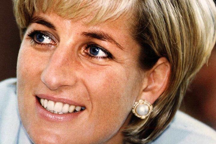 Lady Diana starb im Alter von 36 Jahren bei einem Verkehrsunfall.