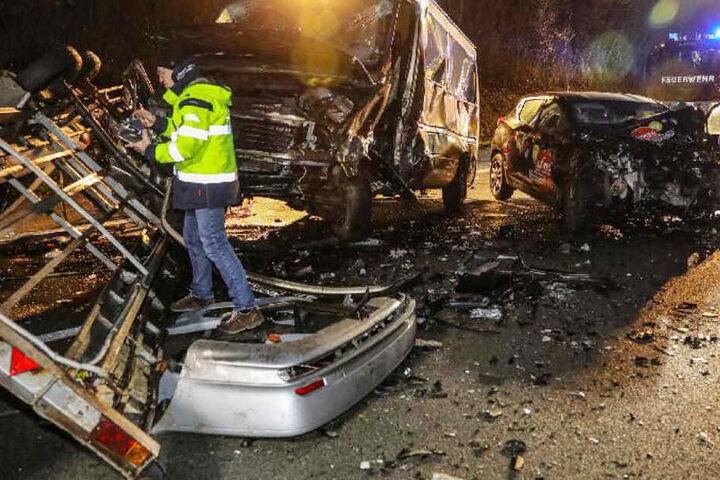 Die Bilder von der Unfallstelle lassen einem einen Schauer über den Rücken laufen.