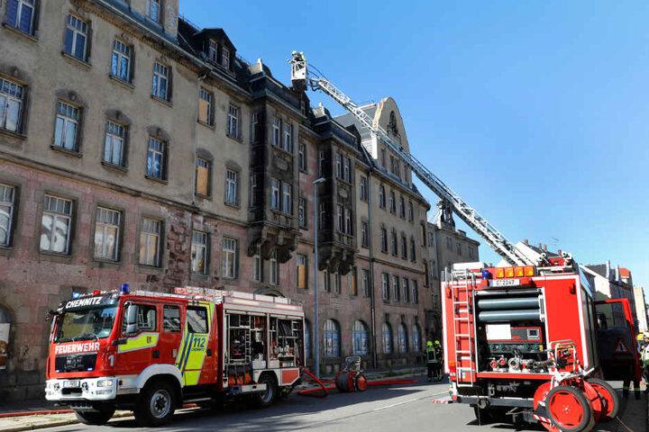 Für den Einsatz war die Zwickauer Straße teilweise gesperrt.