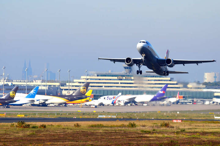 Der Flughafen heißt acht neue Airlines in diesem Sommer willkommen.