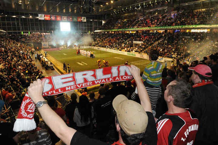 8000 Fans kommen ihren Lieblingsmannschaften bei dem AOK Traditionsmasters seit 2011 ganz nah. (Symbolbild)