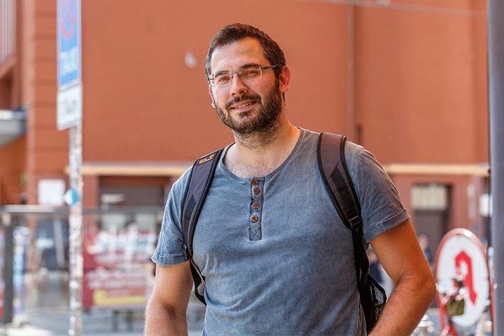 Ist skeptisch: Baustoffprüfer Georg Schmuhl (33).