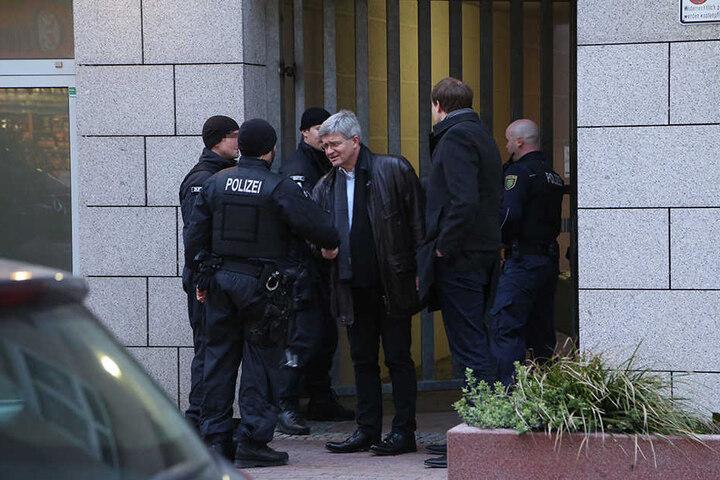 Oberstaatsanwalt Christian Avenarius (57) machte sich vor Ort ein Bild.